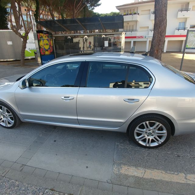 Taxi Claus SKODA SUPERB EXCLUSIVE CR FPD 2.0